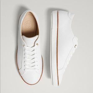 White tumbled leather primsolls. NWT
